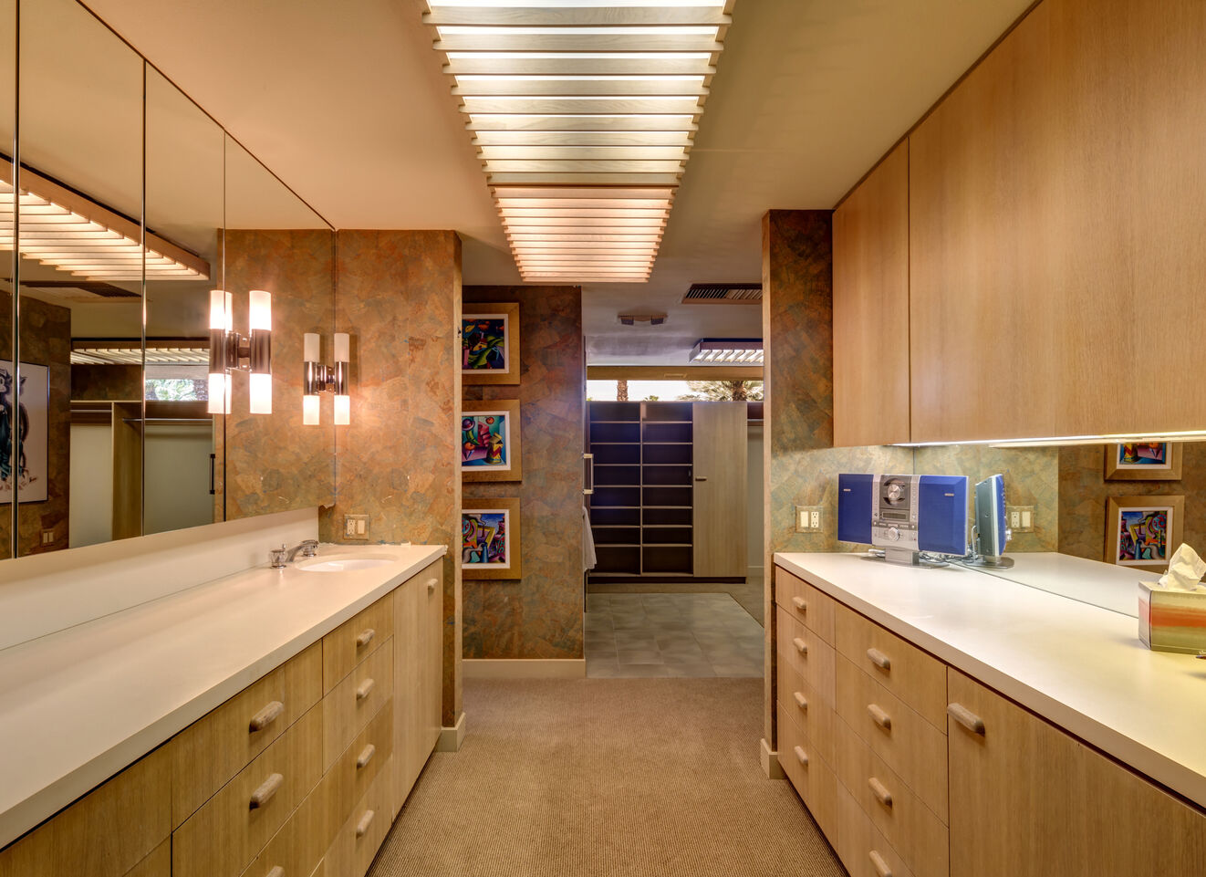 Master Ensuite - East Wing
