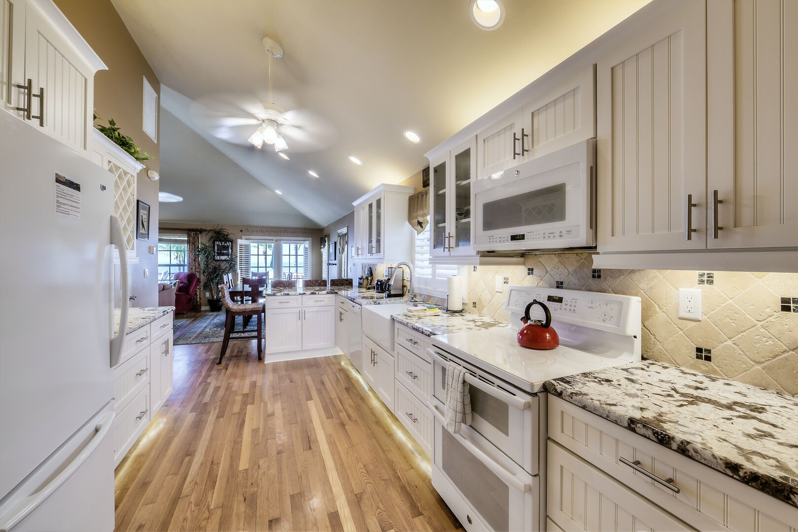 Hardwood Flooring Kitchen and Dining Area Fort Myers Beach Rental