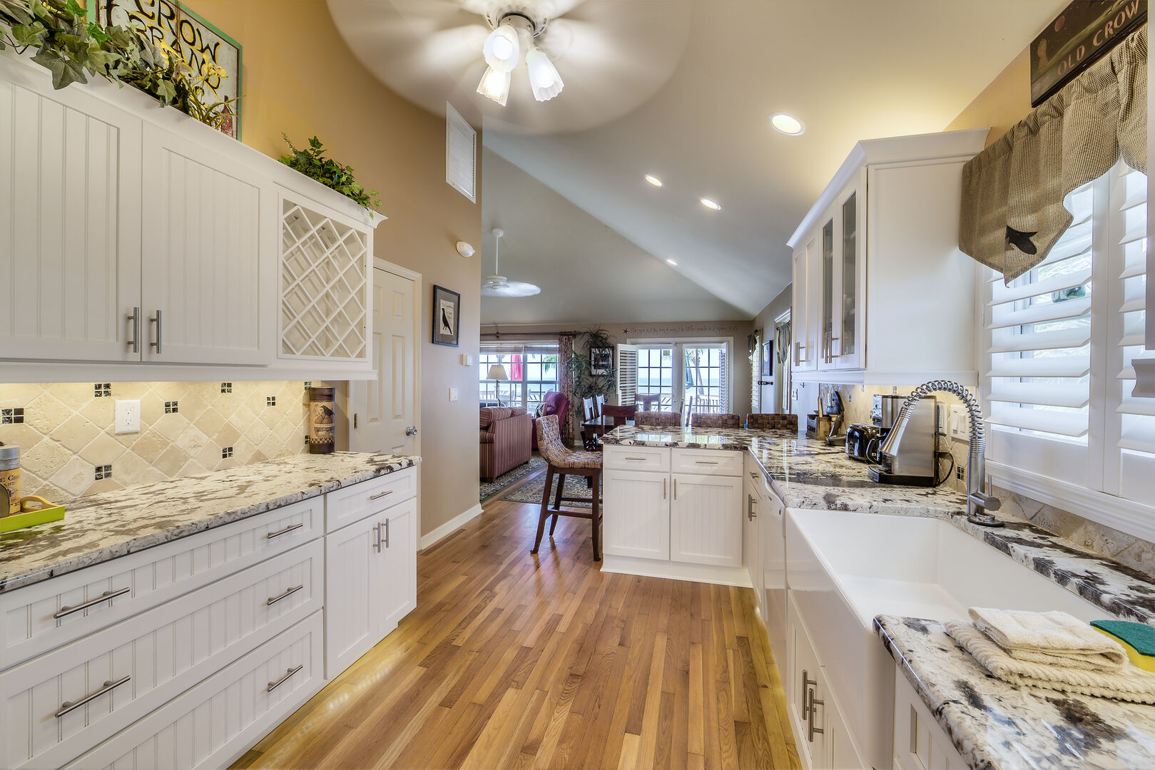 Large Kitchen with Lots of Cabinets in Crow's Nest