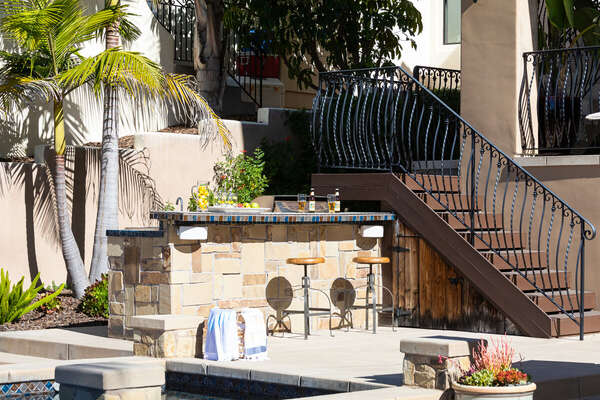 Outdoor Kitchen and Bar in San Diego Vacation Rental.