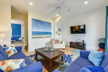 Great room for entertaining and gatherings!