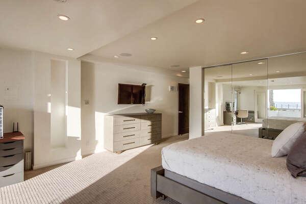 Guest Bedroom, Queen - Lower Level