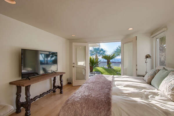 Guest Bedroom with Ocean Views, King - Lower Level
