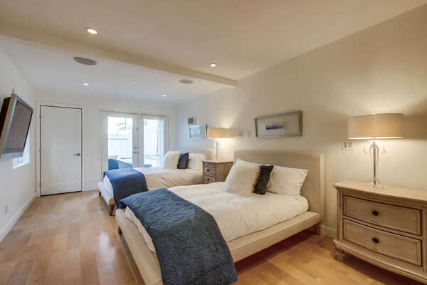Guest Bedroom, 2 Full Beds - Lower Level