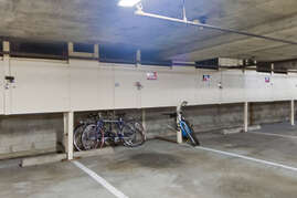 1 parking spot and you have use to 2 bikes during your stay
