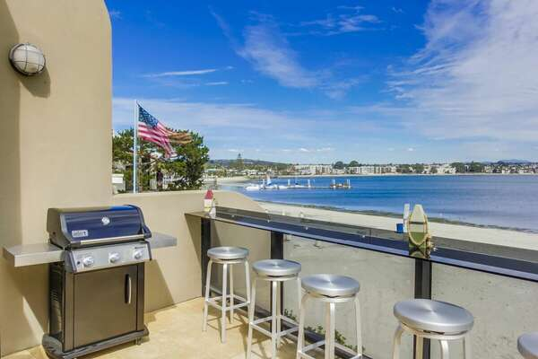 Guests Can Enjoy Bayfront Deck with BBQ.