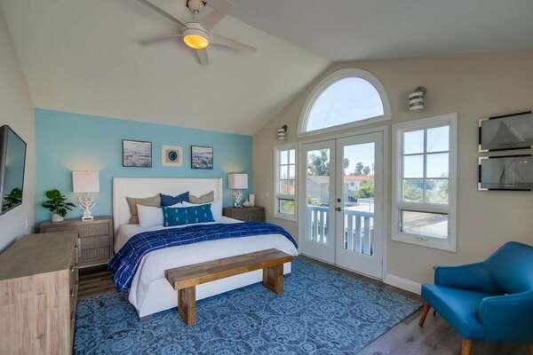 Master bedroom with ocean views - King Bed - 2nd Floor