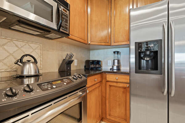 All stainless steel appliances for all your needs in the kitchen