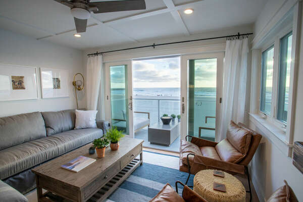 Ocean Views, Fireplace and Large Flat Screen TV in our Mission Beach House Rental