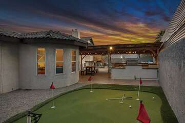 After your meal, move over to the putting green. Everything is included to enjoy some Putt-Putt.