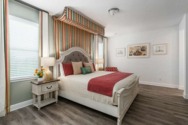 Join the circus in this bedroom!