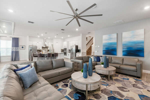 2 spacious sectionals provide room for the whole family