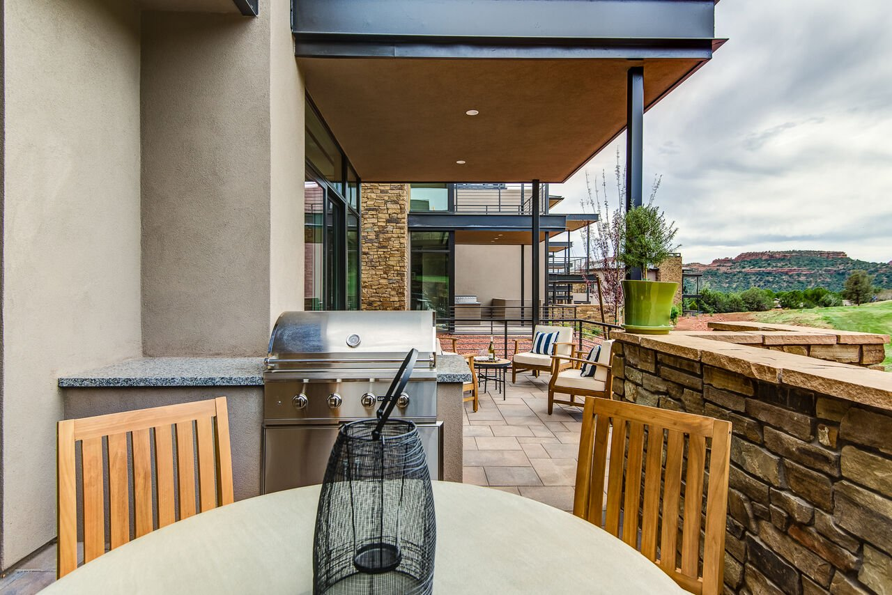 Patio with a Natural Gas BBQ and Outdoor Dining