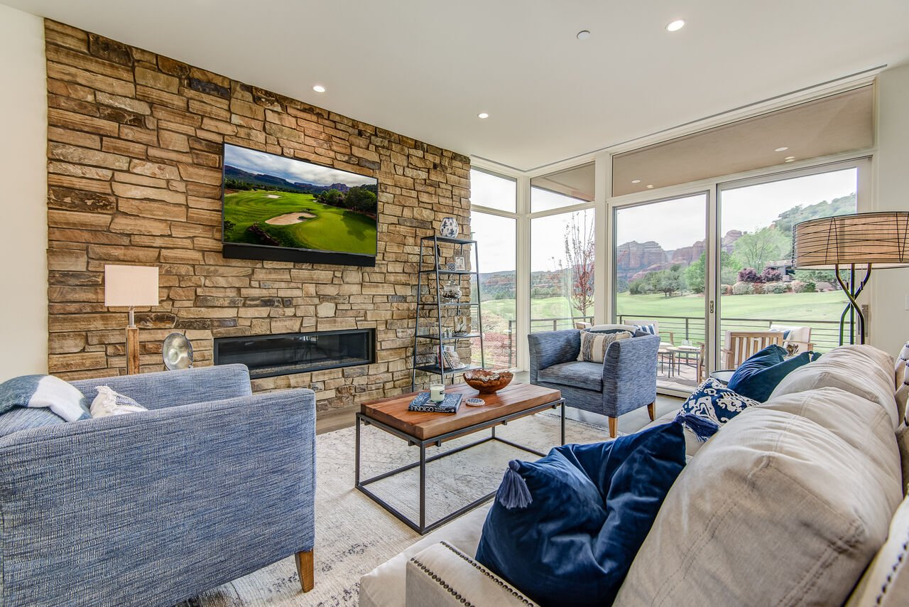 Living Room with Contemporary Furnishings and Plenty of Natural Light and Views