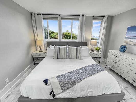 Master Suite, Ground Floor - King Bed