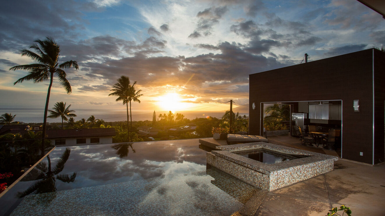 Private Infinity Pool & Ocean Sunset Views