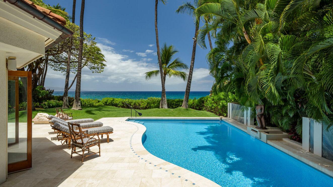 Patio & Private Pool