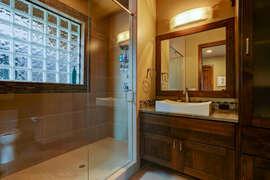 Bedroom 2 (1st Floor) - En Suite Bathroom