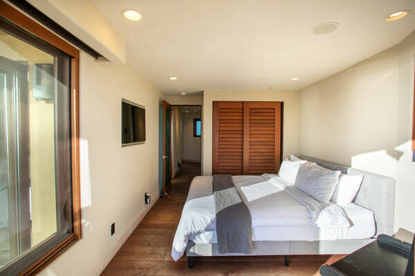 Image of Guest Bedroom on Second Floor.