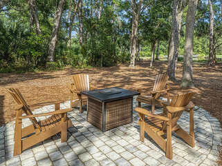 Gorgeous lagoon and golf course views with firepit