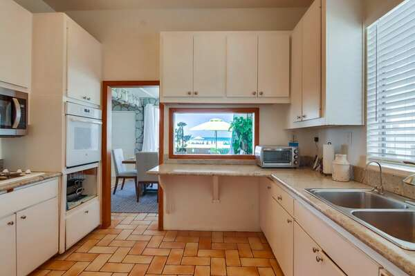 West Fully Stocked Kitchen with Ocean View on Ground Floor