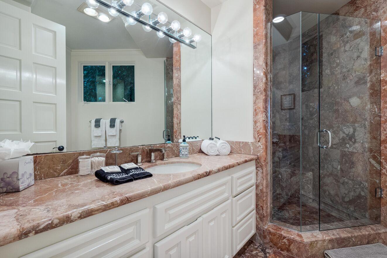 Bathroom 2 ensuite
