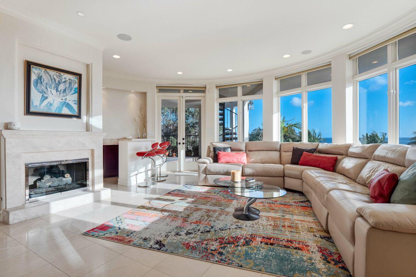 Living area floor 2 with wet bar