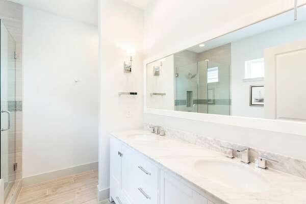 Guest Bath 7