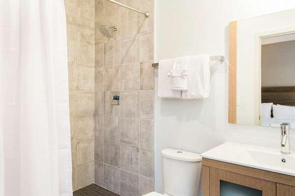 Guest Bath 11