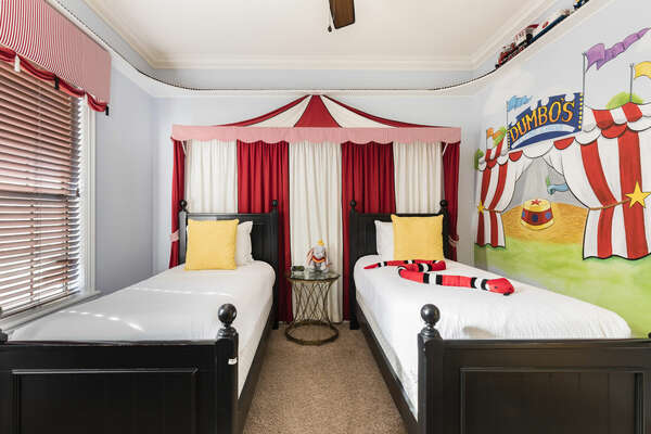 Guest Suite 5 - Circus Theme