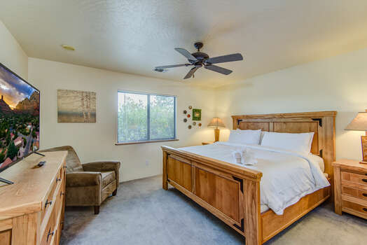 Bedroom 2 with a King Bed, a Smart TV with Netflix, and Access to a Full Shared Bath