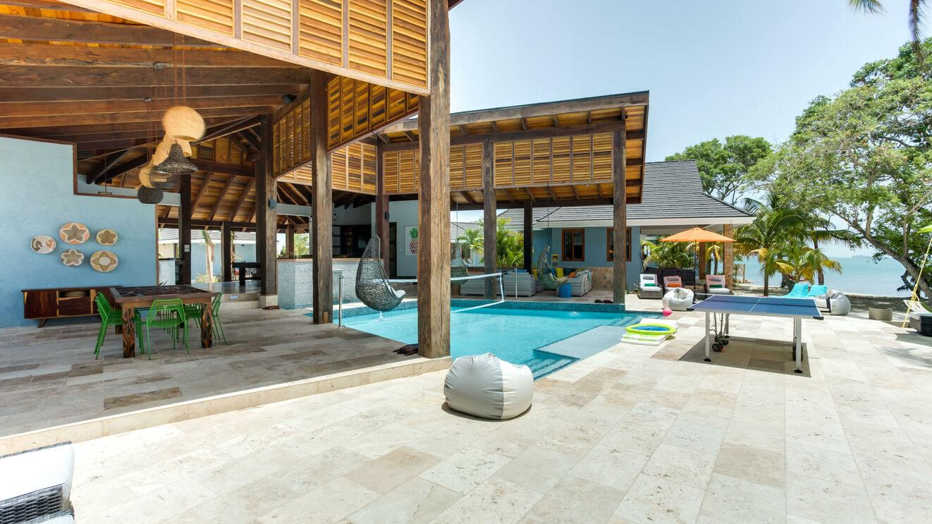 Private Pool & Patio