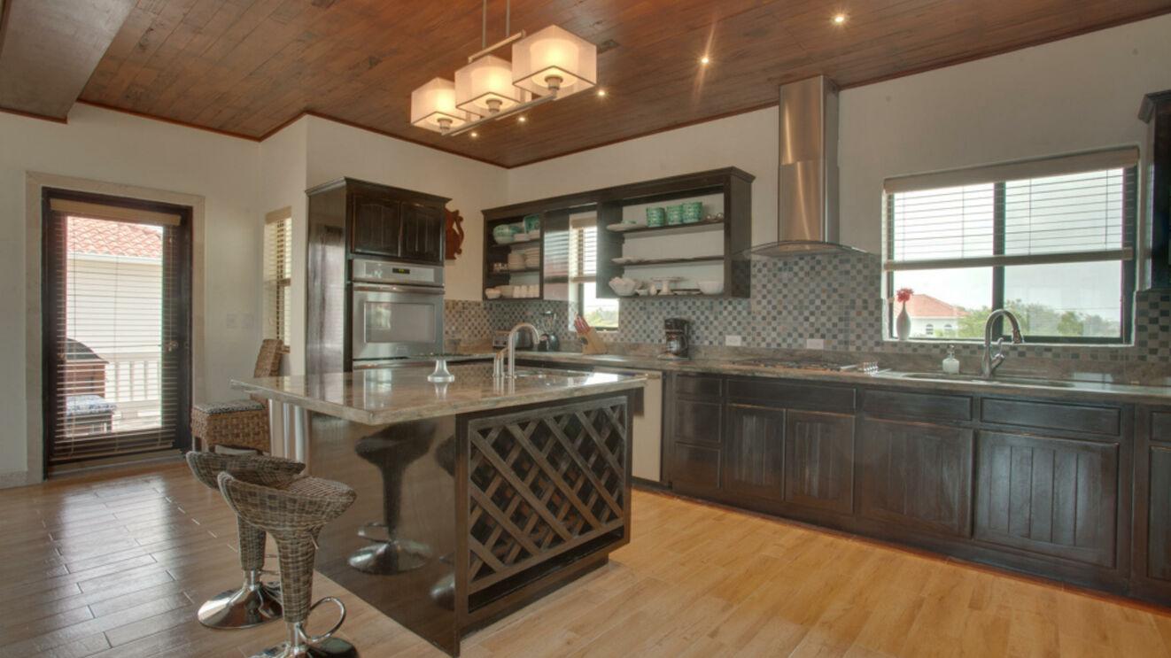 Gourmet Kitchen & Deck Access