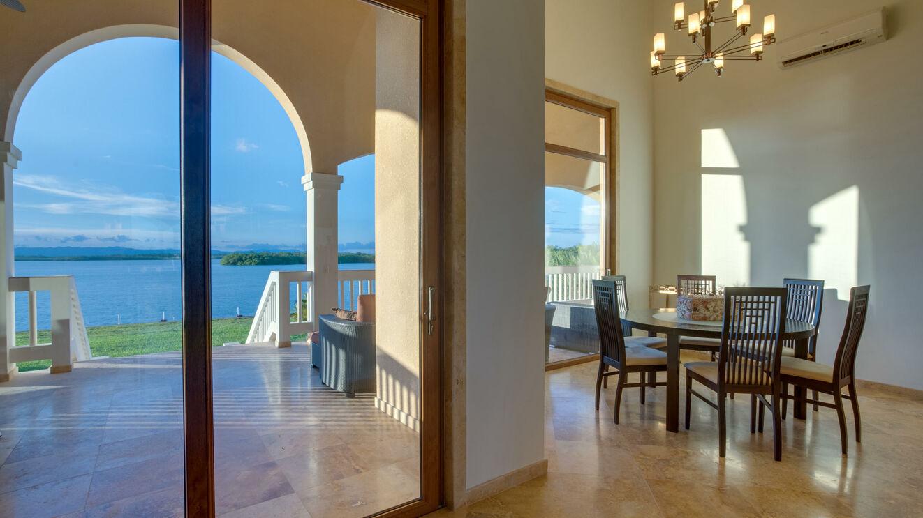 Dining Area & Views