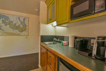 Kitchenette and plenty of counter space
