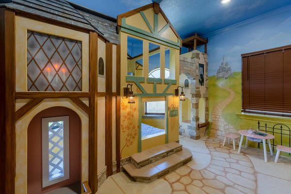 Princesses will love this kingdom bedroom just for them