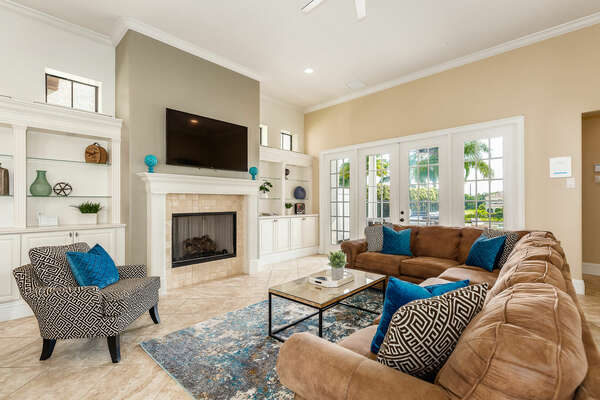 Large living space for nights in or relaxing to watch your favorite TV show (Disclaimer: Fireplace(s) not allowed for guest use, homeowner use only.)