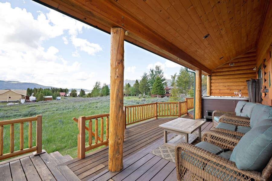 Henrys Hawk ~ wraparound porch w/ hot tub and seating