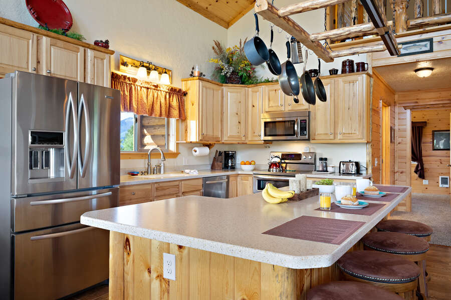 Henrys Hawk ~ fully equipped and stocked kitchen
