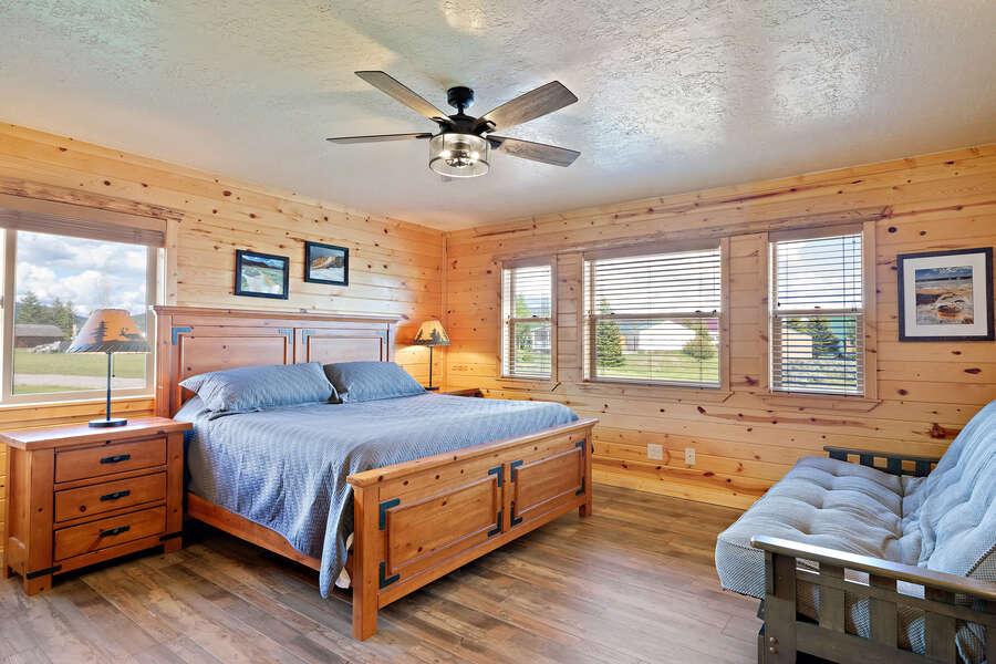 Henrys Hawk ~ 2nd bedroom on main level, king bed, futon, private half bath