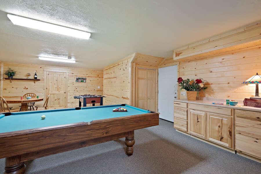 Henrys Hawk ~ pool table on lower level