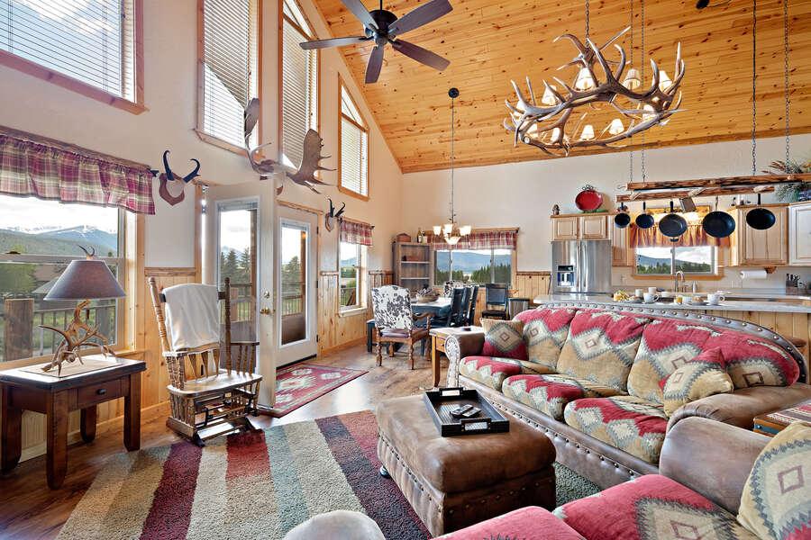 Henrys Hawk ~ open floor plan w/ floor to ceiling windows
