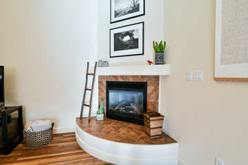 Fireplace and decorative details