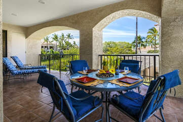 Spacious lanai perfect for relaxing!