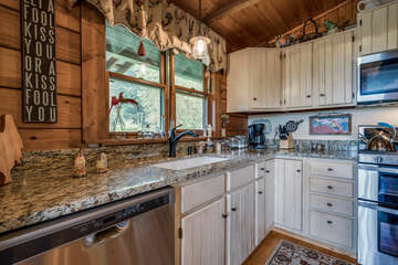 Equipped with Stainless Steel appliances