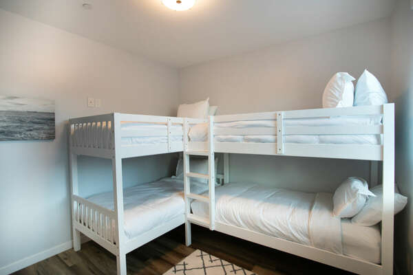 Bunk Room with two Twin/Twin Bunk Beds