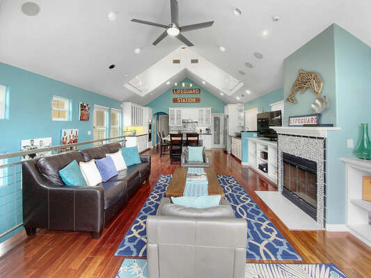 Spacious Open Concept, Fireplace is inoperable
