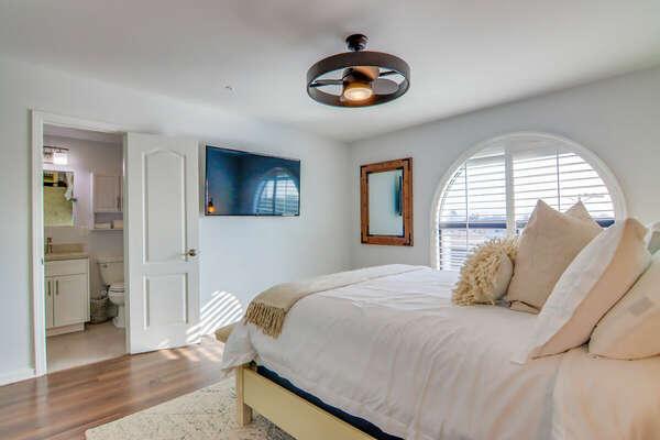 Guest Bedroom, Queen - Forth Floor