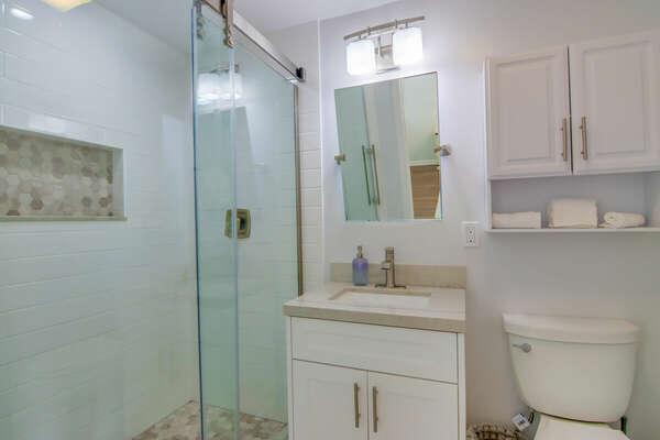 Guest Bedroom En-Suite Bath - Forth Floor