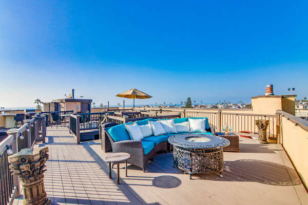 Expansive Roof Deck, Exclusive to Unit F Rental